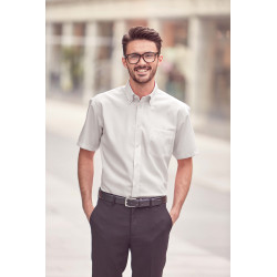 Russell Men´s Short-Sleeved Non-Iron Shirt - Classic Fit