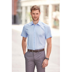 Russell Men´s Short-Sleeved Non-Iron Shirt - Modern Fit